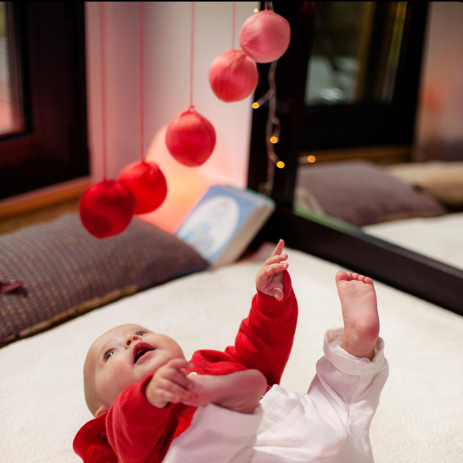 4 mobiles Montessori à réaliser soi-même